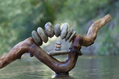 7daysPRESENT-seven-days-present-mindfulness-and-meditation-videos